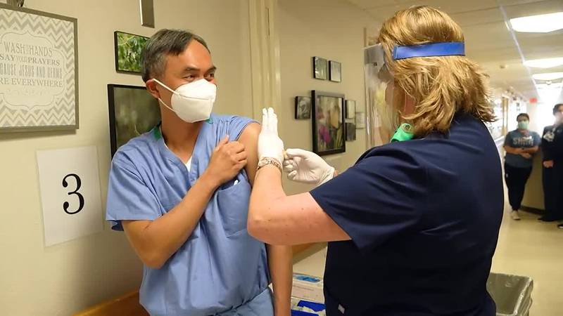 Midland Memorial Hospital administers vaccines to staff