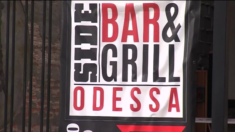 Side Bar and Grill wins Downtown Odessa Best New Business Award
