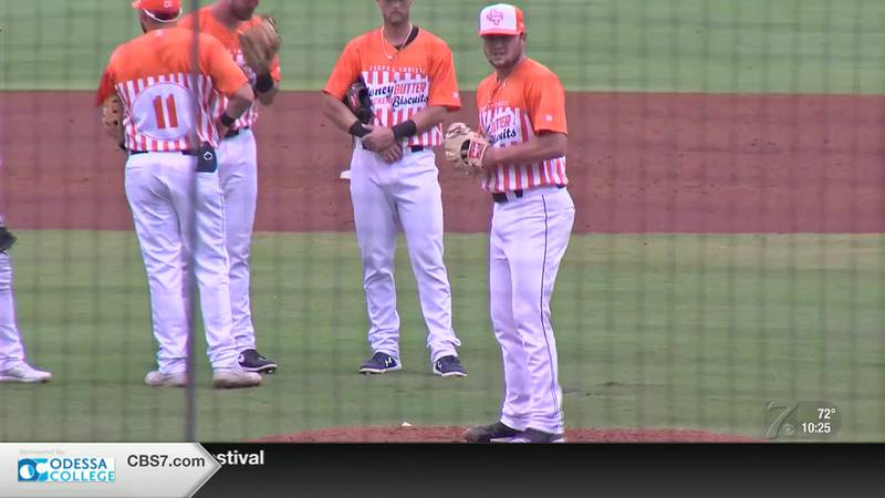 Corpus Christi's Whataburger uniforms can't keep RockHounds from 5th straight win