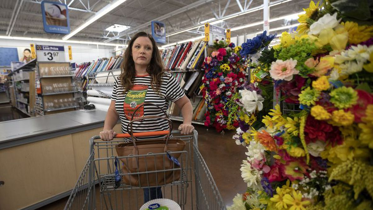 Rena Clegg, an art teacher at Pflugerville ISD, shops for classroom supplies. (Juan Figueroa/The Texas Tribune)