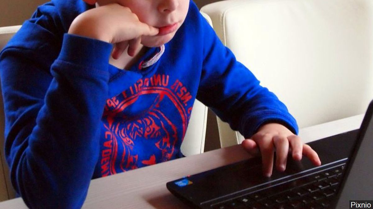 Many Texas school districts are administering the STAAR tests online for the first time this...