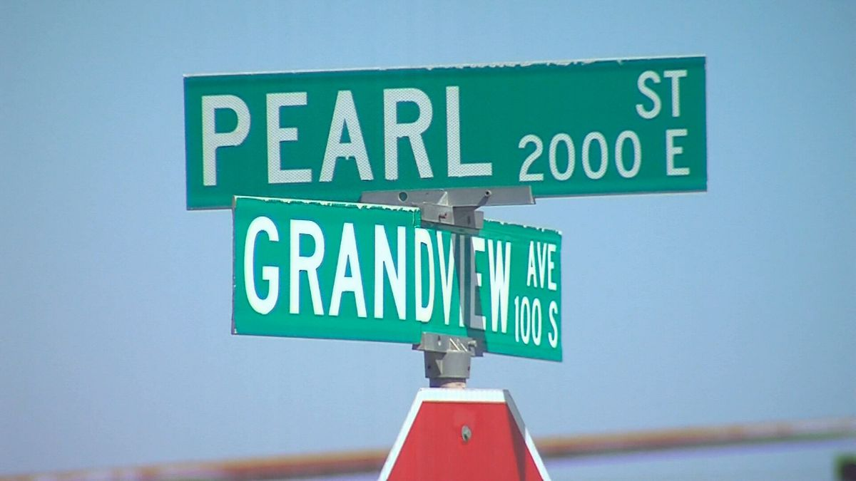 Starting Wednesday, the right lane of North Grandview between E. Pearl Street and E. 8th Street...